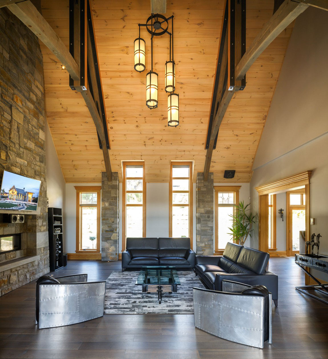 Contemporary Home Design: Rustic Contemporary Mountain Style Home With Innovative