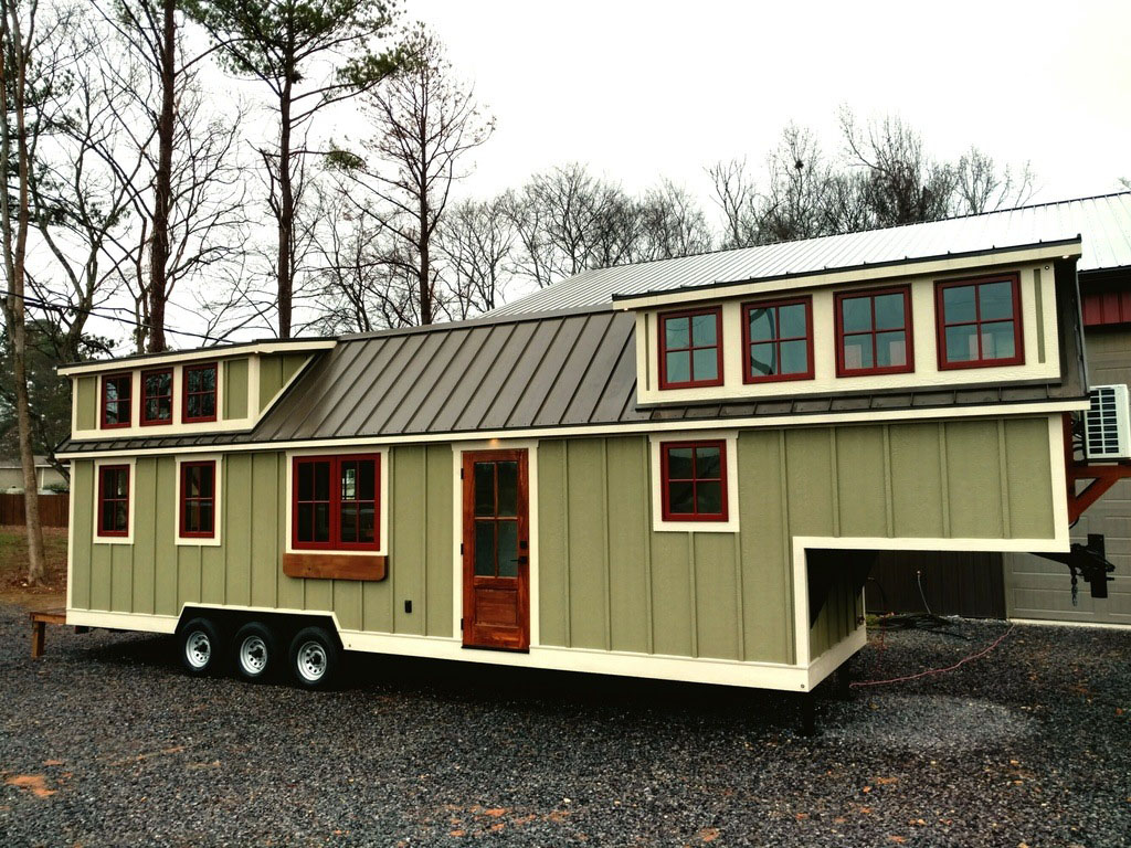 Rustic Farmhouse Style Luxury Large Tiny House On Wheels 2