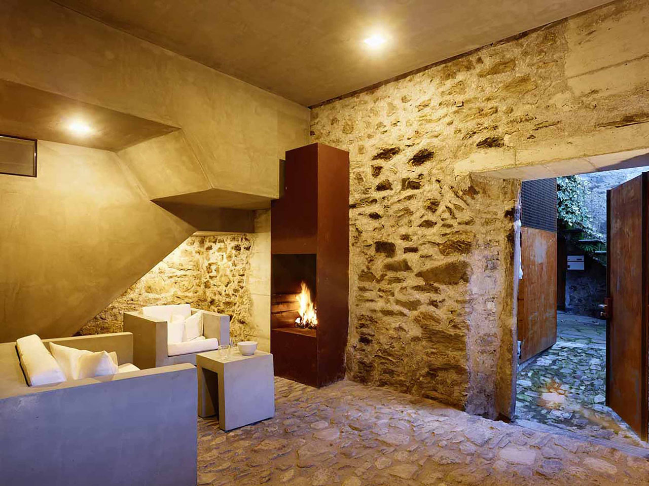 Modern Makeover Of An Old Stone House With Views Of Lake Maggiore ...