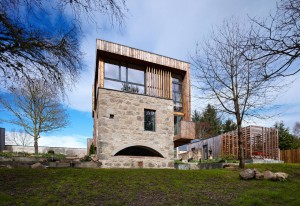 Contemporary-Country-House