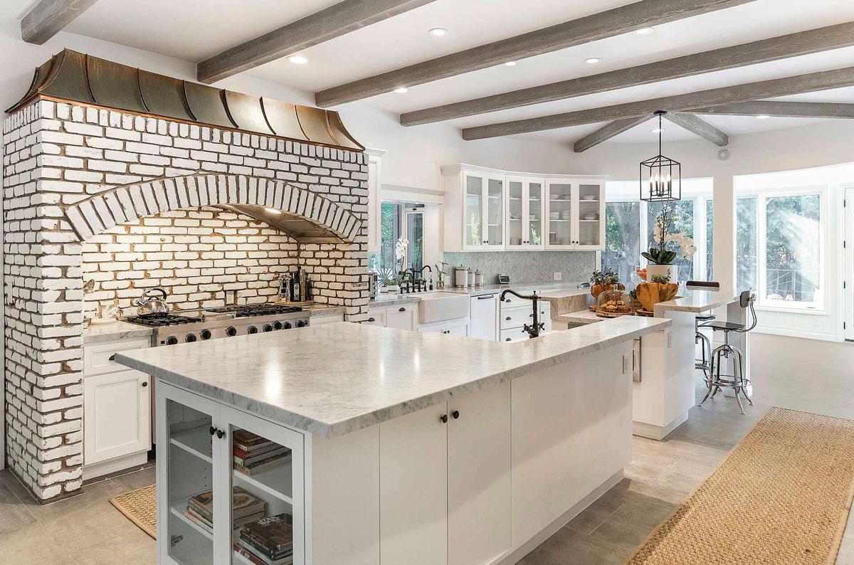 Selena Gomez House Kitchen