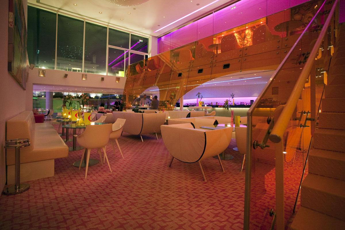 Cutting edge semiramis hotel idesignarch interior for Design hotel athens