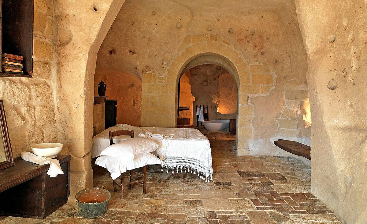 Hotel-Sextantio-Le-Grotte-Della-Civita