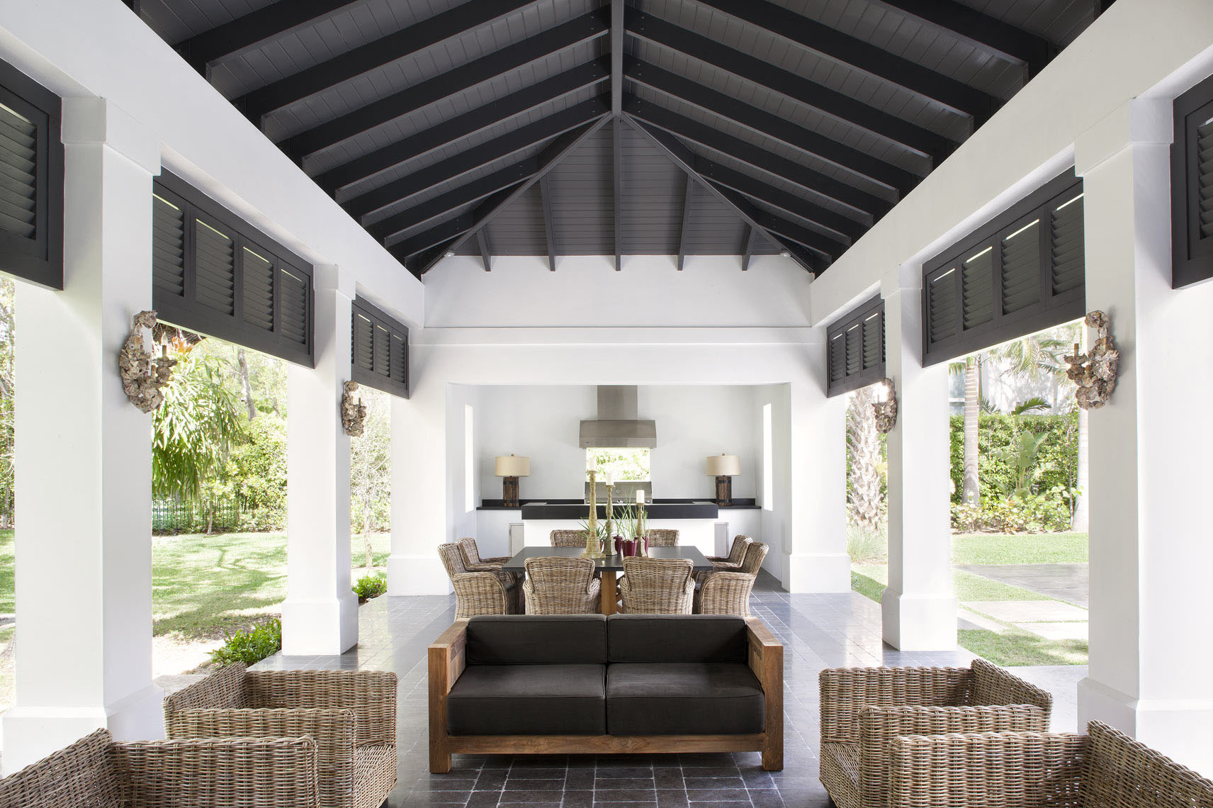 Contemporary Luxury Pool Cabana Florida