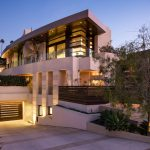 Sophisticated Modern Custom Home in La Jolla with Rooftop Patio