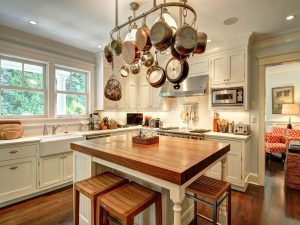 Traditional Gourmet Chef's Kitchen