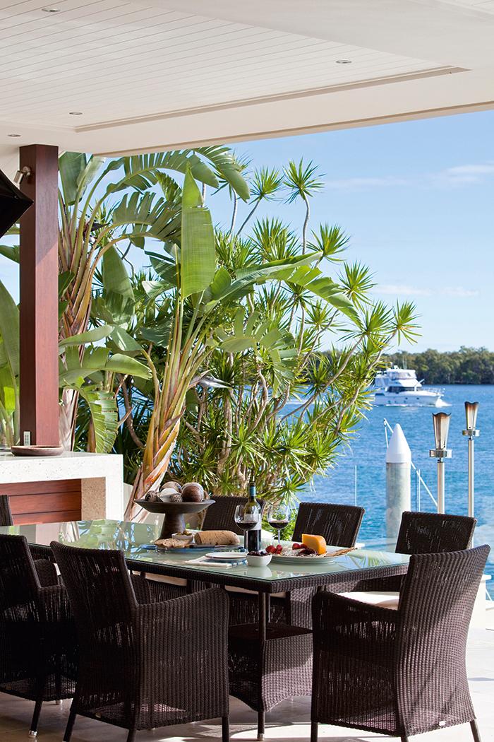 Sovereign Islands Queensland Waterfront Luxury Home 11