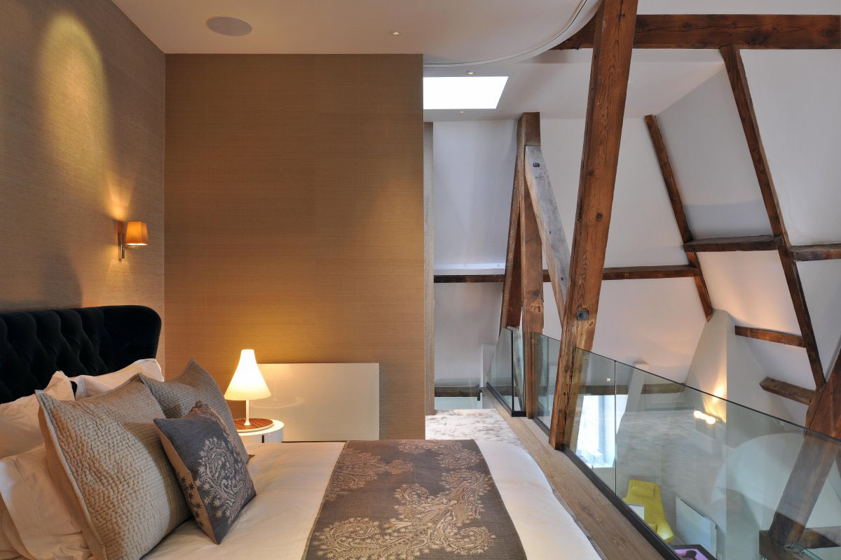 Modern Loft Bedroom in London