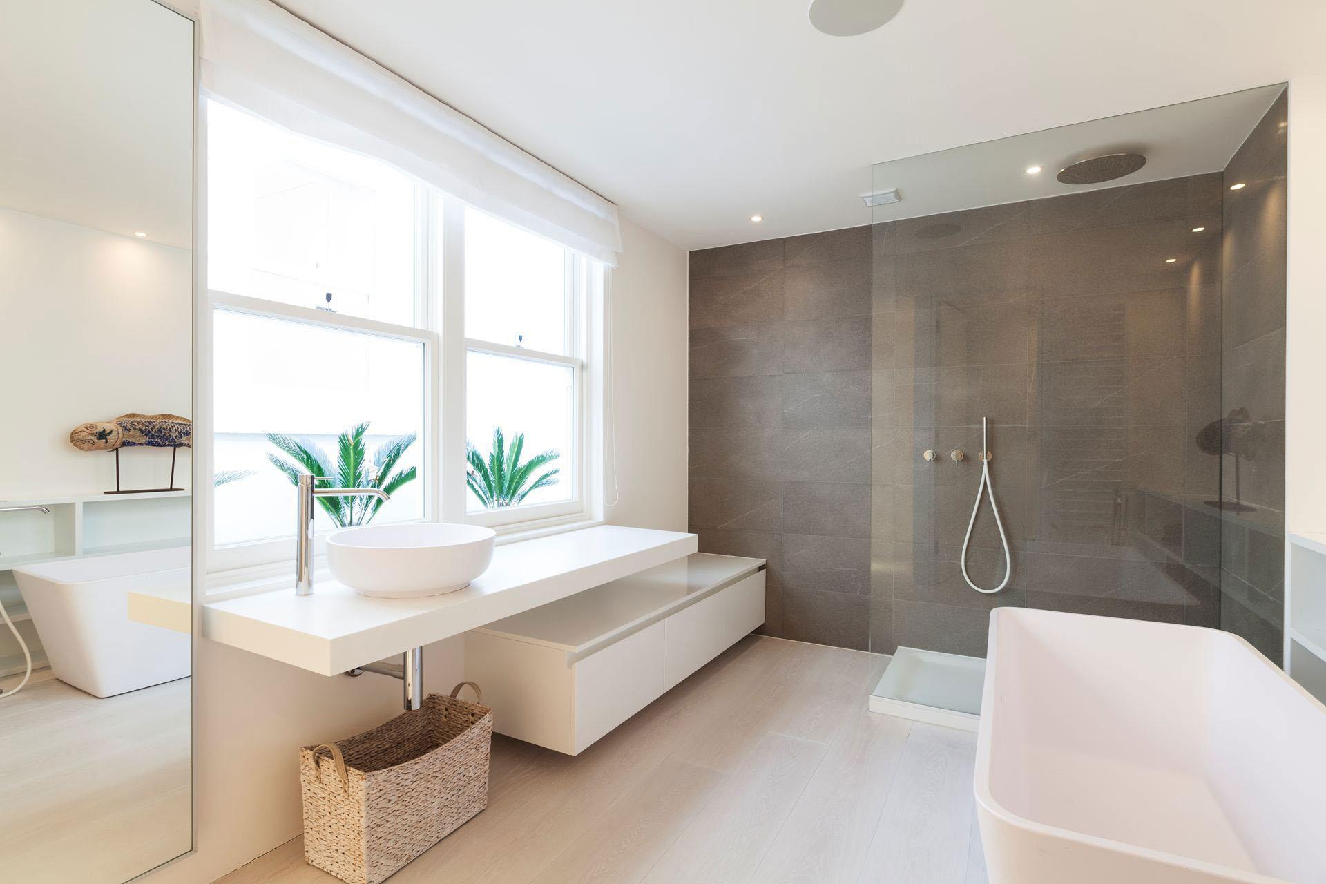 Apartment Bedroom Floor Lamp