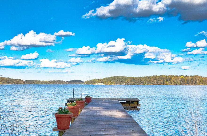 Storybook Wooden Palace Overlooking Lake M 228 Laren
