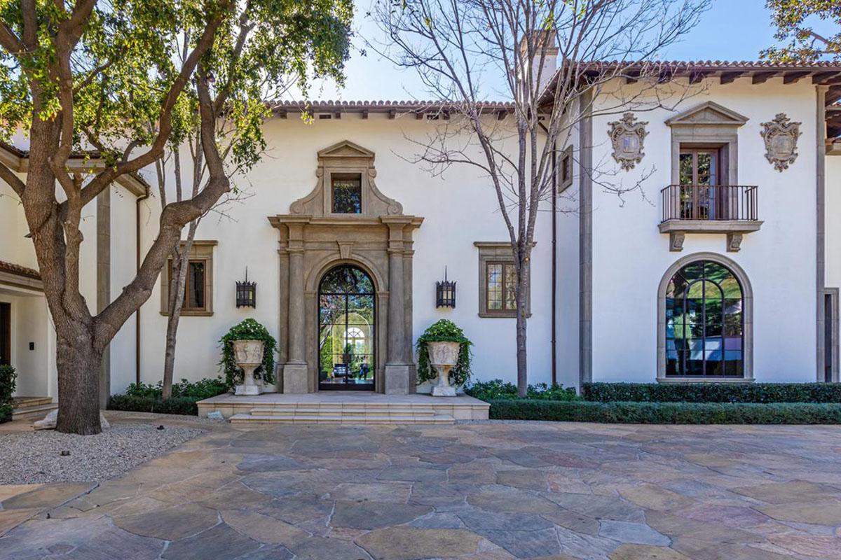 Mediterranean-style House in Beverly Hills