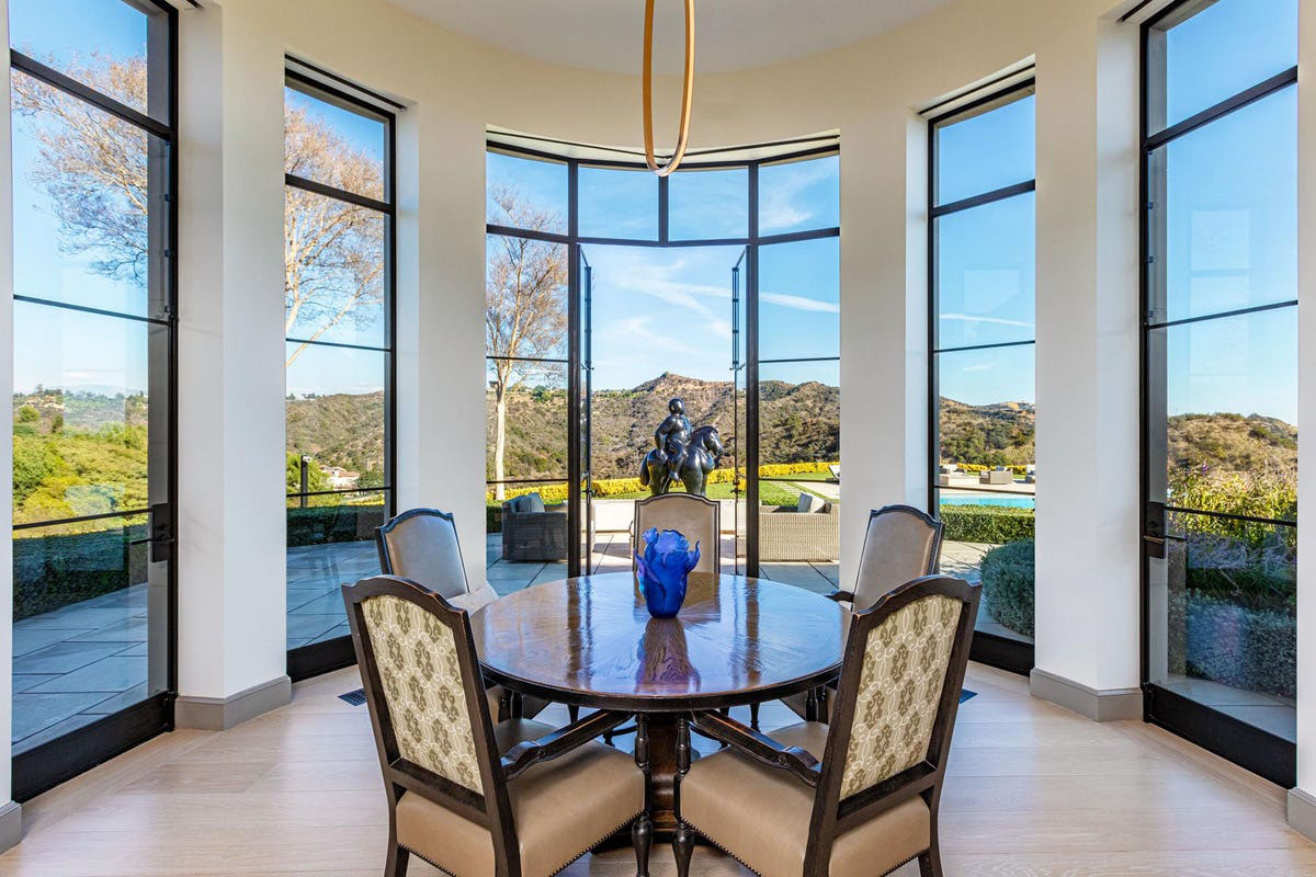 Luxury Circular Dining Room