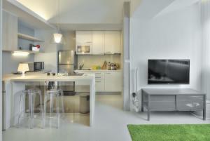 Studio Apartment Small Kitchen