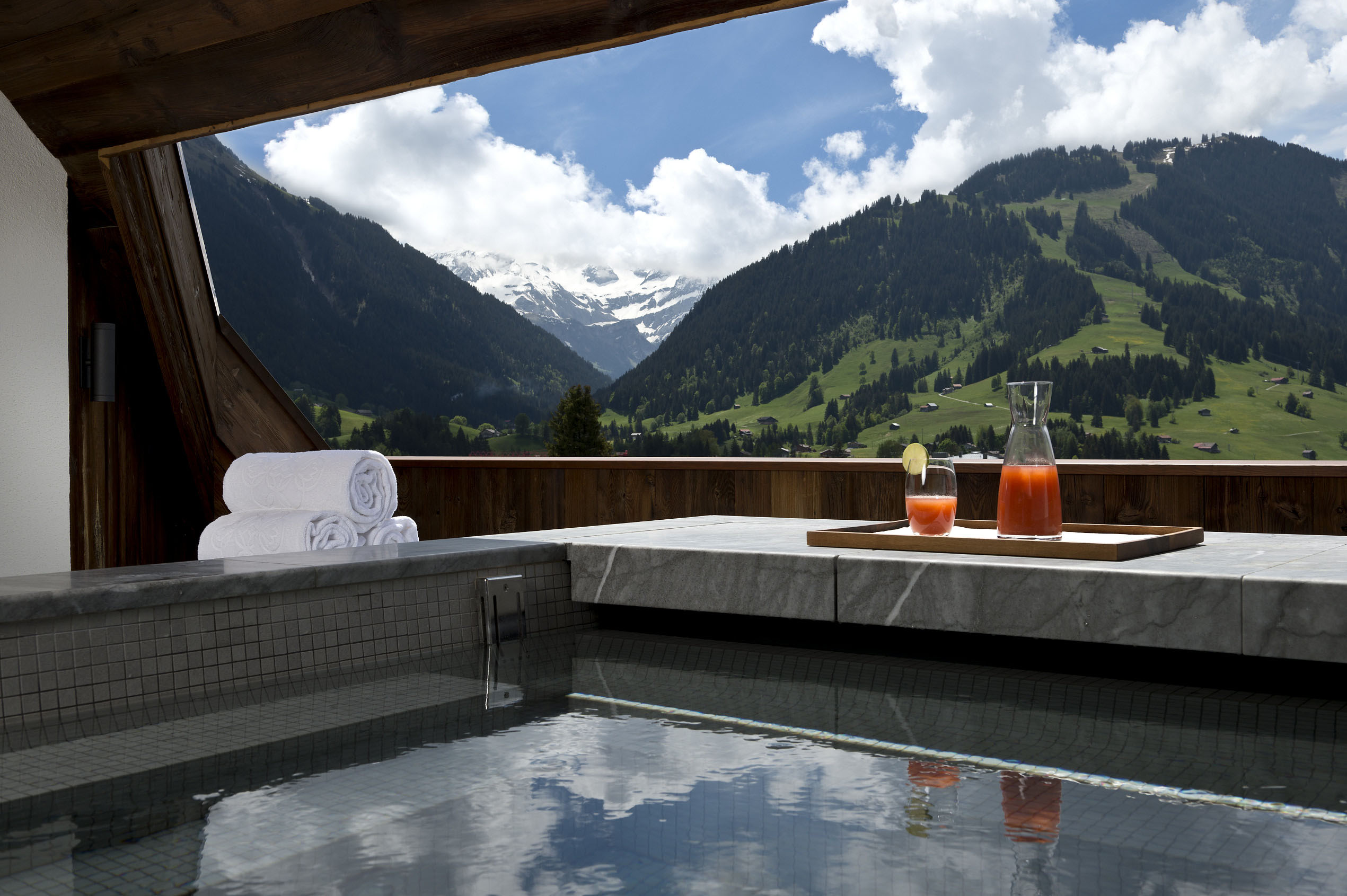 Private Spa with Mountain View