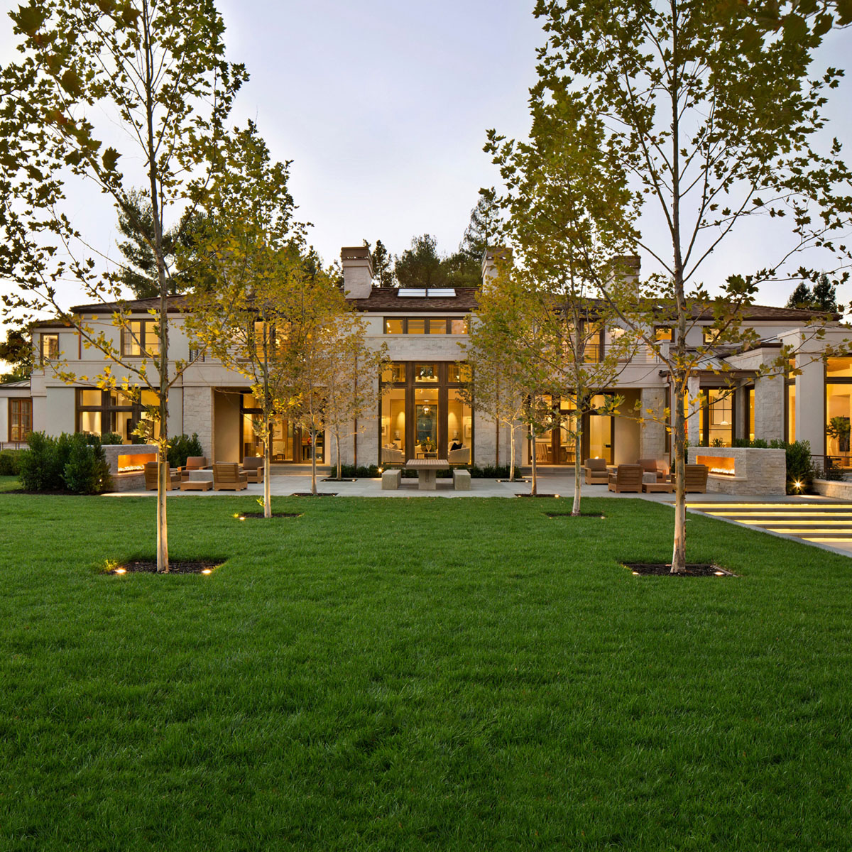 Custom Estate In California With Timeless Contemporary