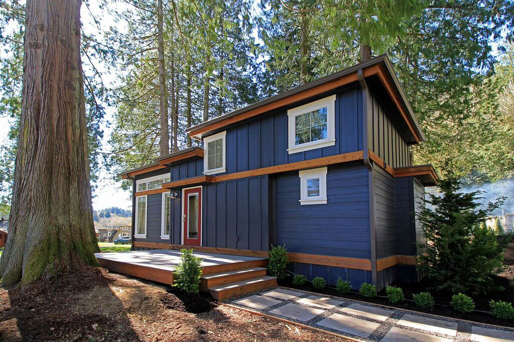Tiny House Lakeside Cottage Lake Whatcom Washington 11