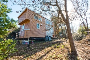 Self-sustaining Solar Tiny House