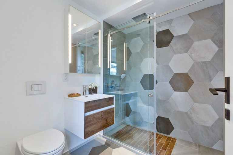 namas Toronto-Beaches-Energy-Efficient-Modern-Home_17-768x511