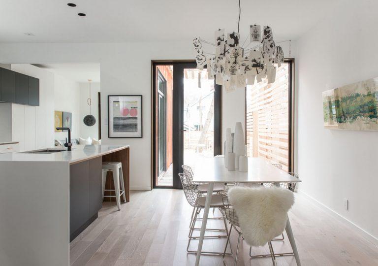namas Toronto-Beaches-Energy-Efficient-Modern-Home_9-768x540