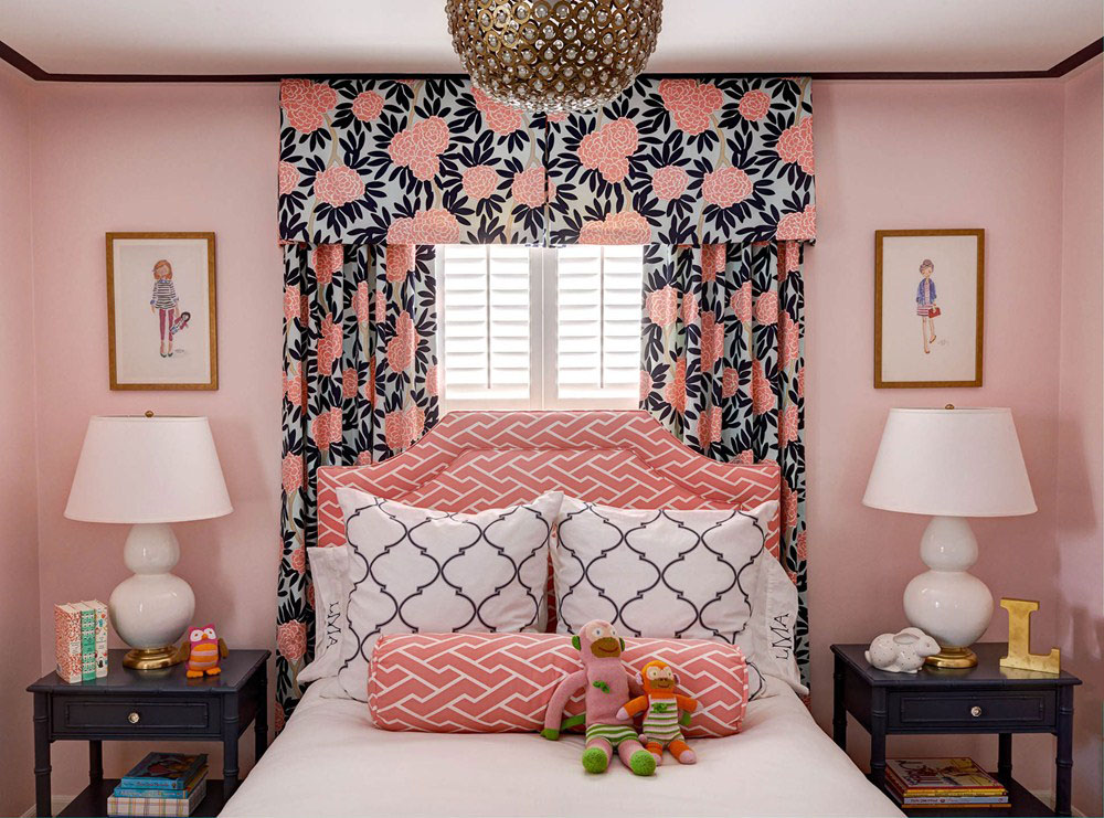 Elegant Pink Bedroom Design