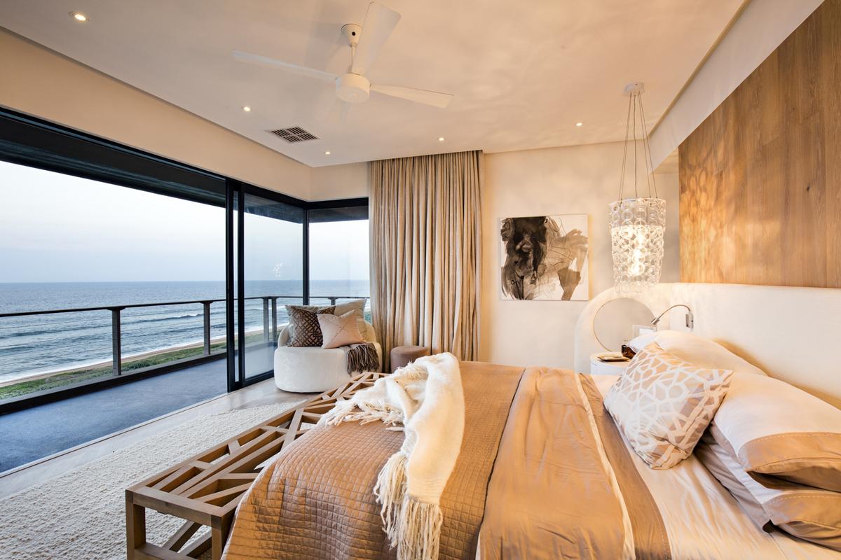Tropical-Modern-Ocean-View-Home-South-Africa_10