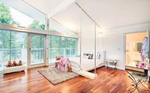Modernist-Master-Bedroom-Suite