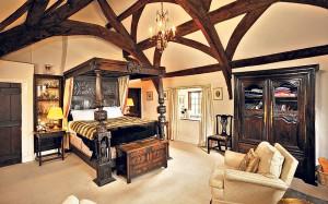 Period-Master-Bedroom