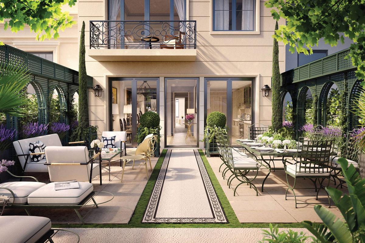 Elegant Courtyard Patio