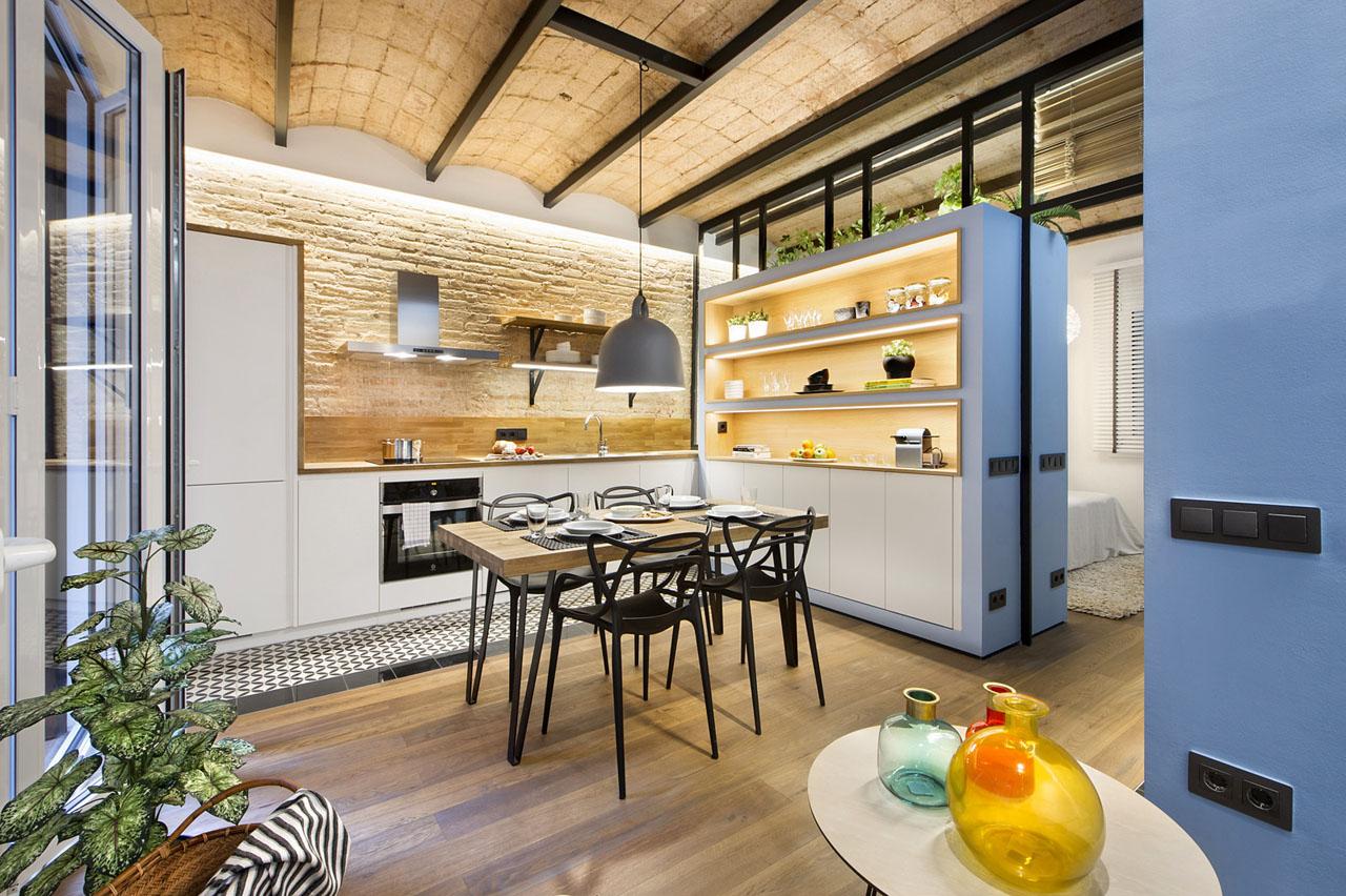 Cozy Urban Beach Apartment In Barcelona With Catalan Vault
