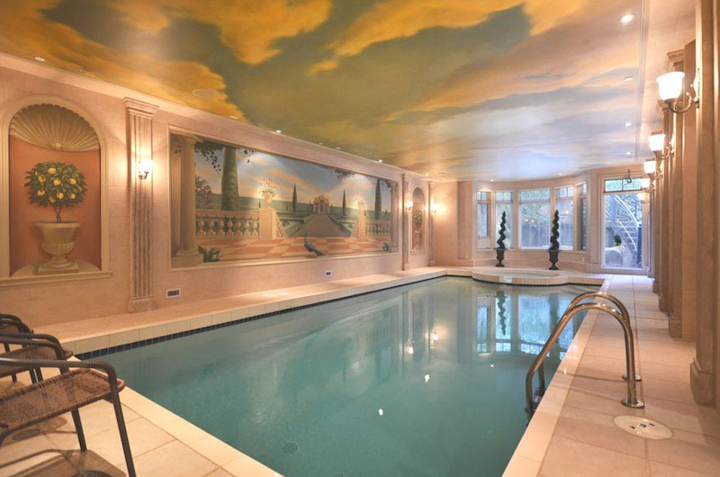 Elegant-Indoor-Swimming-Pool
