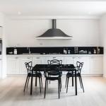 Spacious Contemporary Apartment In A Historic Italian Villa