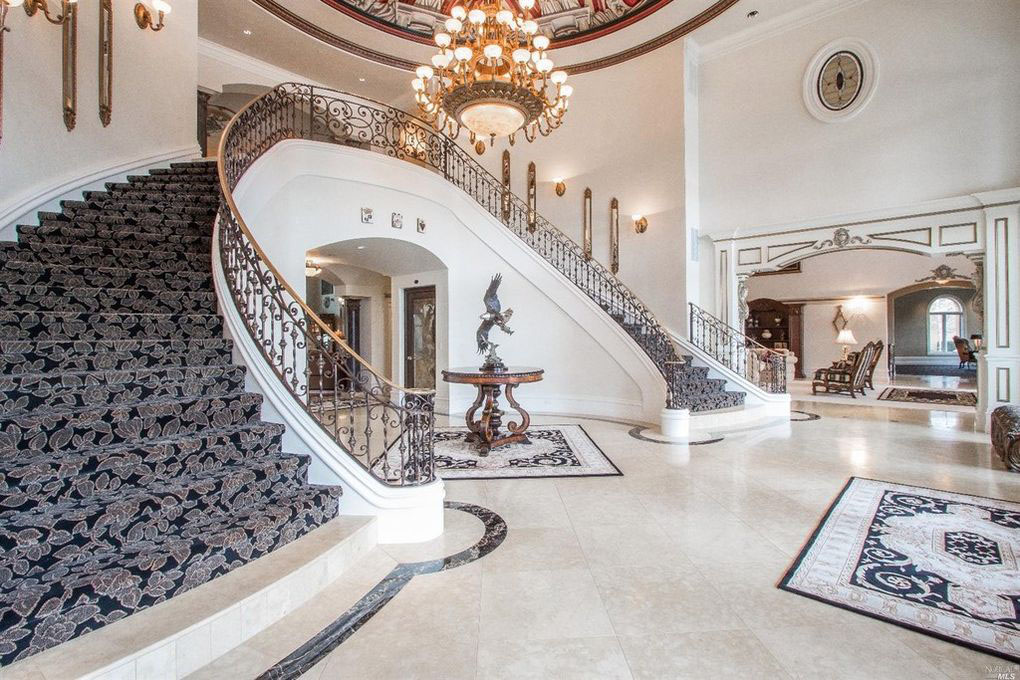 Double Grand Staircase