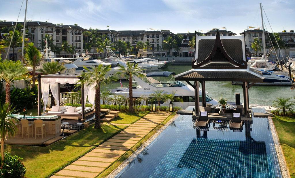 Private Villa with Yacht Berth