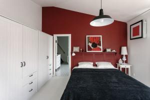 Stylish Modern Attic Apartment